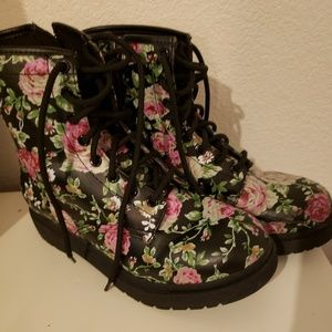 Floral lace-up combat boots with ankle zipper